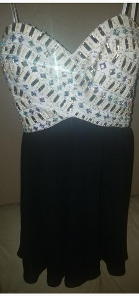 B. Smart Dresses & Skirts - 💥Homecoming Prom Dreas Strapless sz 3💥